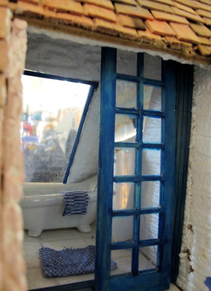 la taverne grecque duannie la salle de bains vue de la terrasse with salle de bain grecque. Black Bedroom Furniture Sets. Home Design Ideas